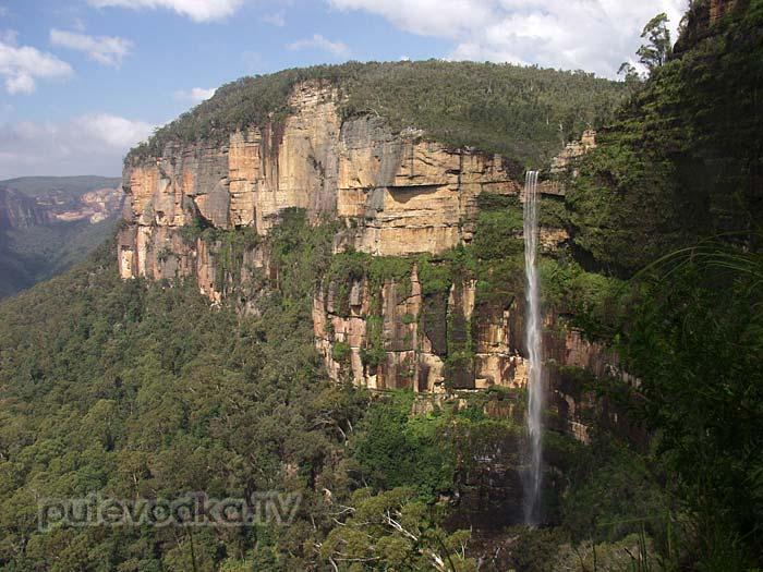 Впечатляющий 100-метровый водопад в Голубых горах