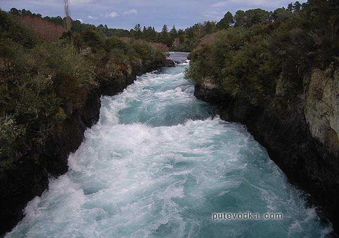 Горная новозеландская речка