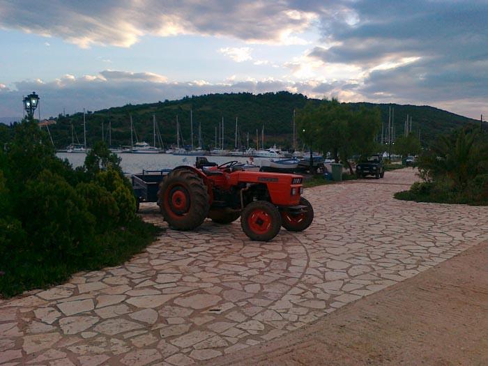 Морской трактор :)