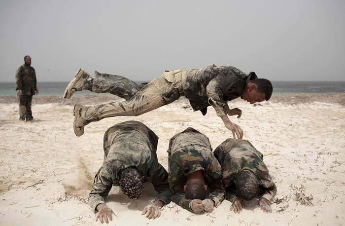 Подготовка антиправительственных террористов. Бенгази, Ливия, 2 июня 2011 года. (AP / Rodrigo Abd)