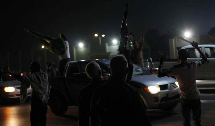 На смену бесплатной медицине, бесплатному образованию, беспроцентным кредитам на строительство жилья, пособиям и отсутствию преступности, пришли отморозки, шмаляющие из оружия на улицах ливийских городов…
