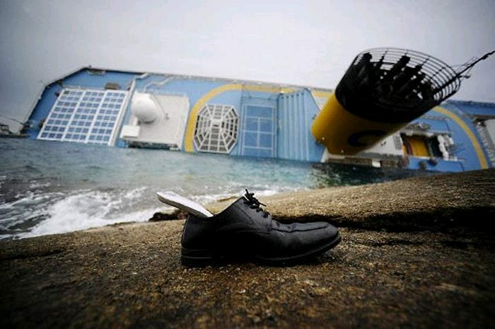 Costa Concordia. Эстетика человеческих жертв от гуманистов из Франс-Пресс (AFP).