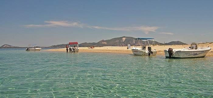 Греция. Ионическое море. Остров Закинтос (Zakynthos). Островок Черепаший. Пляж.