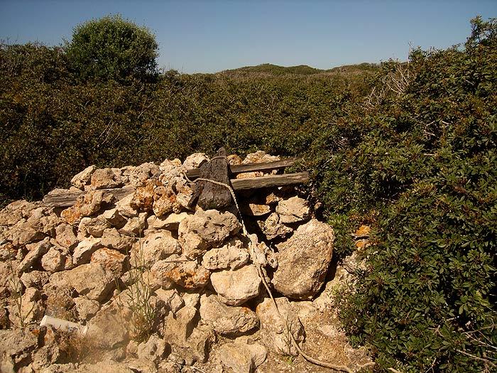 Строфады. Северный остров Гарпия. Колодец с пресной водой.