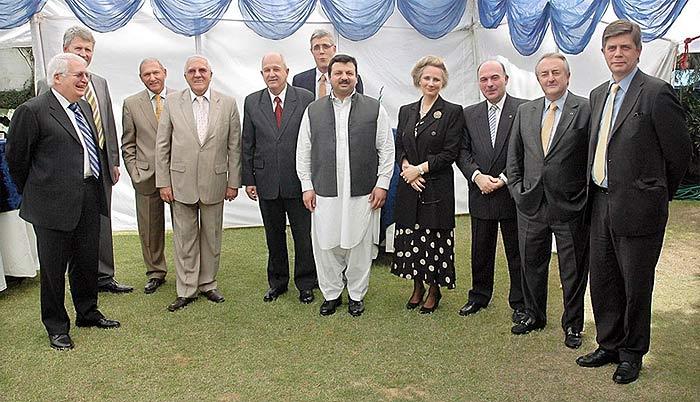 Сотрудники греческого посольства в Исламабаде