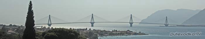 14.07.2012. Мост в Патрах из окна автобуса