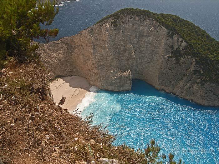 О.Закинтос (Zakinthos). Ионическое море. Залив кораблекрушения (Shipwreck bay) с верхотуры.