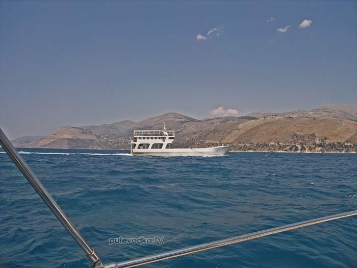 Паром ГЕРАСИМ между Аргостоли и Ликсори (остров Кефалония)
