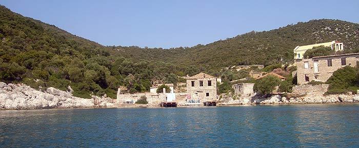 Греция. Ионическое море. Остров Каламос (Kalamos). Порт Леон (Port Leone).