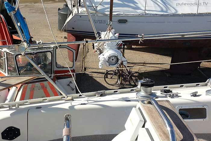 Яхта Пепелац. Двигатель из капитального ремонта.