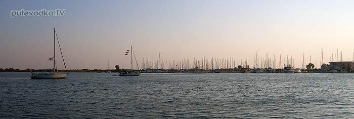 Греция. Ионическое море. Марина Месолонги.