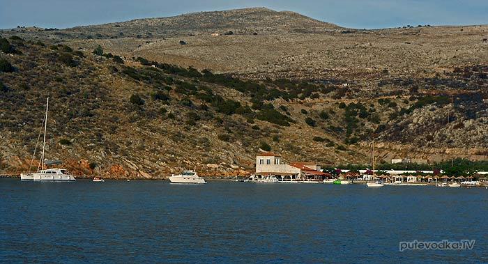 Греция. Остров Идра. Залив Мандраки. Якорная стоянка.