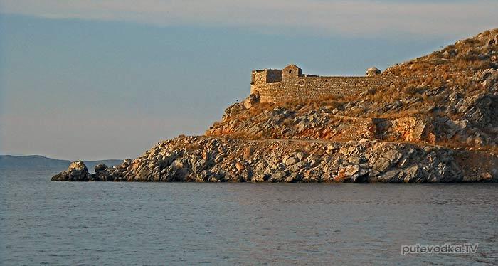 Греция. Остров Идра. Залив Мандраки.