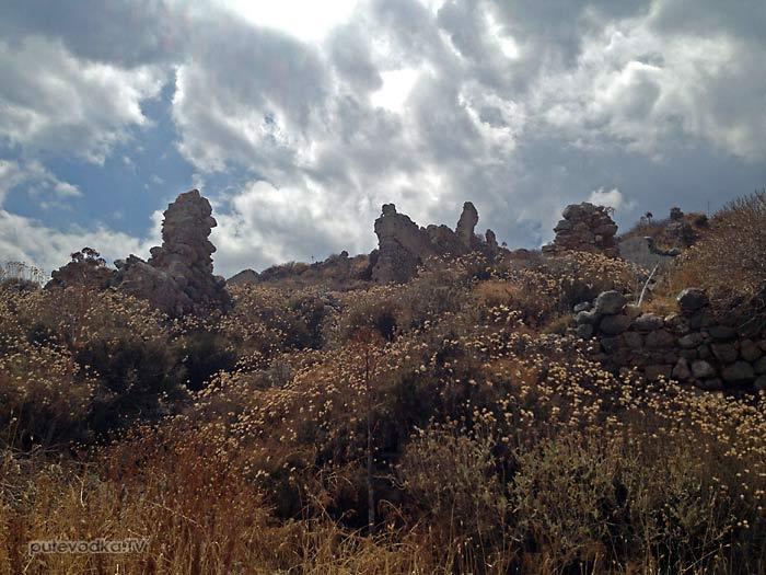 Греция. Пелопоннес. Монемвасия (Моневасия). Крепость. Верхний город.