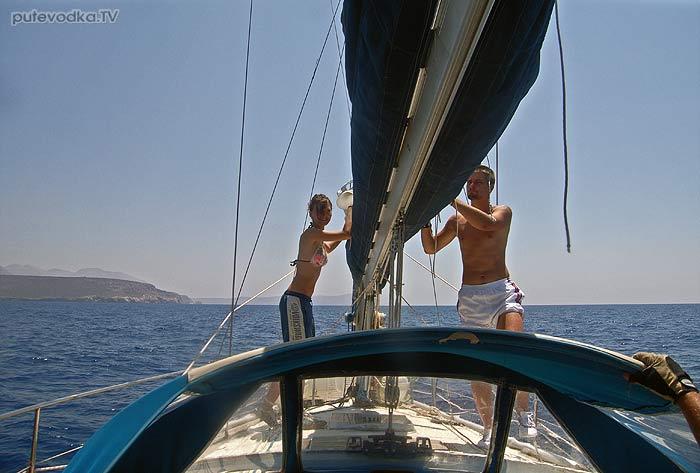 Греция. Пелопоннес. Яхта Пепелац. Грот к подёму!