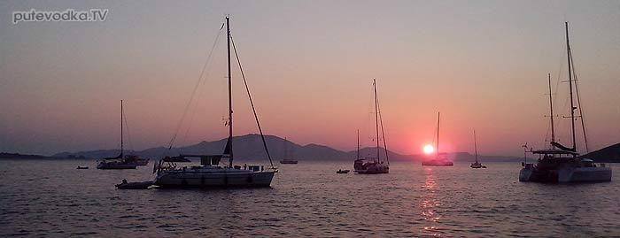 2013. Греция. Ионическое море. Яхта «Пепелац». О-в Закинтос. Порт Кери.