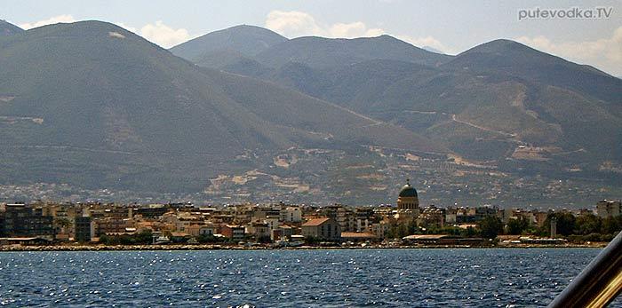 Яхта Пепелац. Греция. Патрасский залив. Патры при подходе с юга.