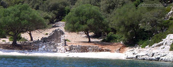 Яхта Пепелац. Греция. Ионическое море. Бухта Ксилокараво.