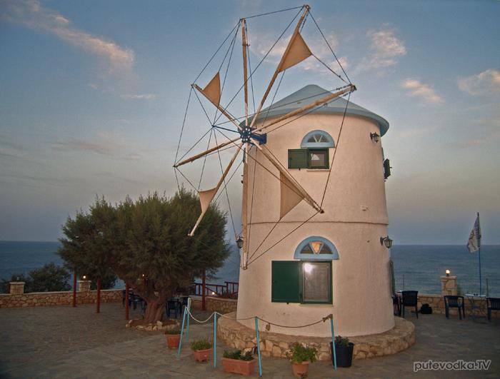 Греция. Ионическое море. О-в Закинтос. Мыс Скинари.