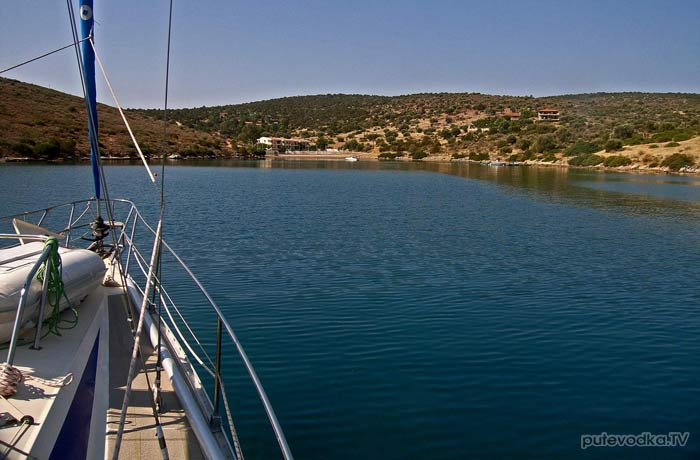 Яхта Пепелац. Греция. Коринфский залив. Бухта Стено.