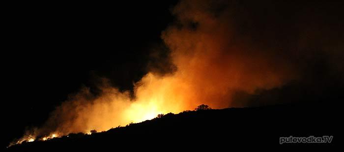 Греция. Остров Закинтос. Бухта Св.Николая. Ночной пожар.