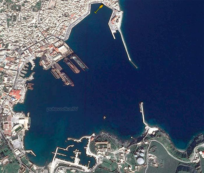 Греция. Киклады. Сирос. Порт Зрмуполис. Схема швартовки.