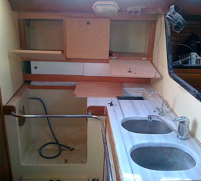 Яхта «Пепелац». Реновация. Камбуз.