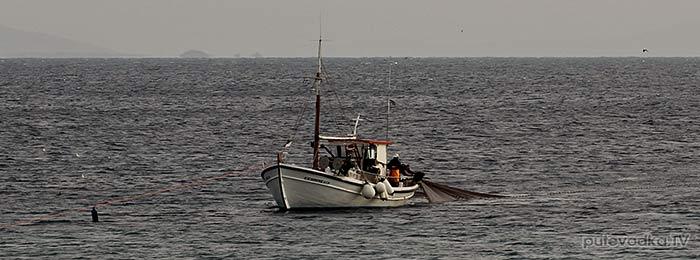 Греция. о. Парос. Рыбак.
