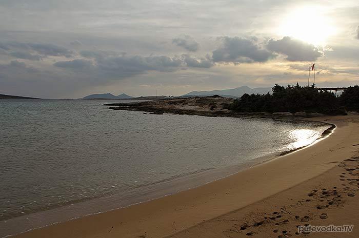 Греция. о. Парос. Песчаный пляж.