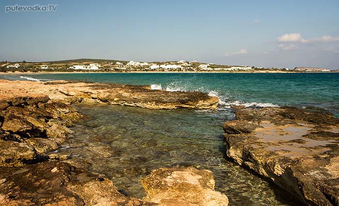 Каменистый кусочек берега