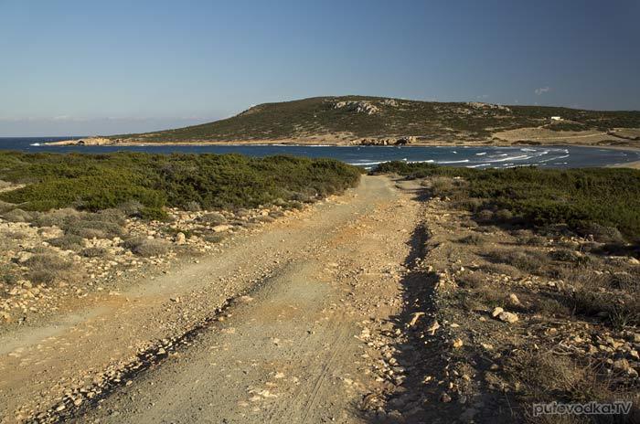 Дорога к бухте Гайдурониси