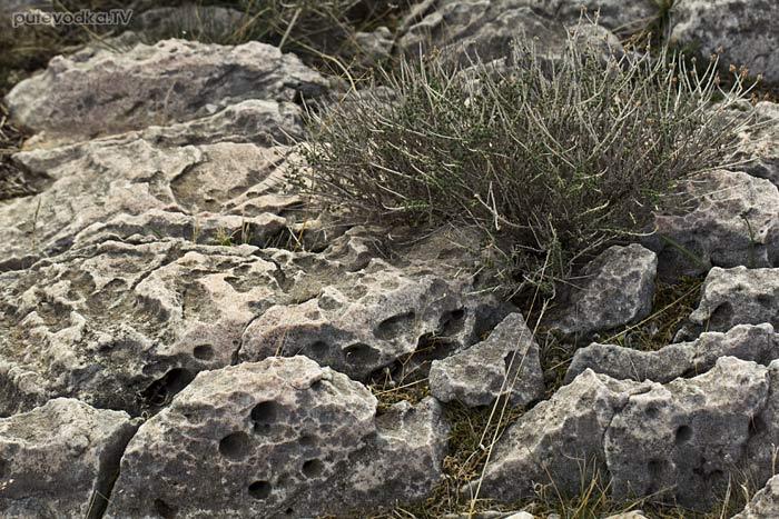 Южная оконечность Пароса. Розовые камни.