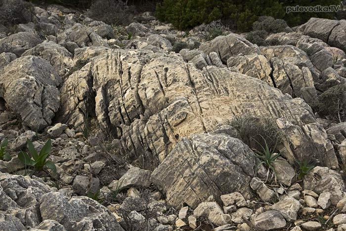 Южная оконечность Пароса. Камни.