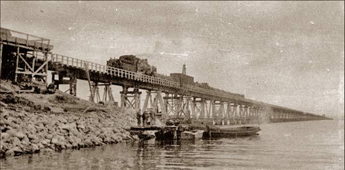 Керченский пролив. Советский мост 1944 г.