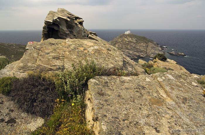 Парос-парк. Вид с вершины Стернас на мыс Коракас.