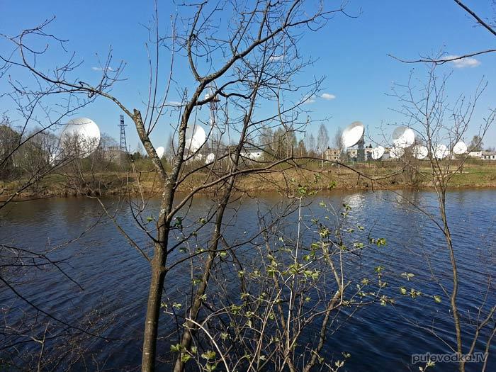 Правый берег Дубны. Вид на Центр Космической Связи.