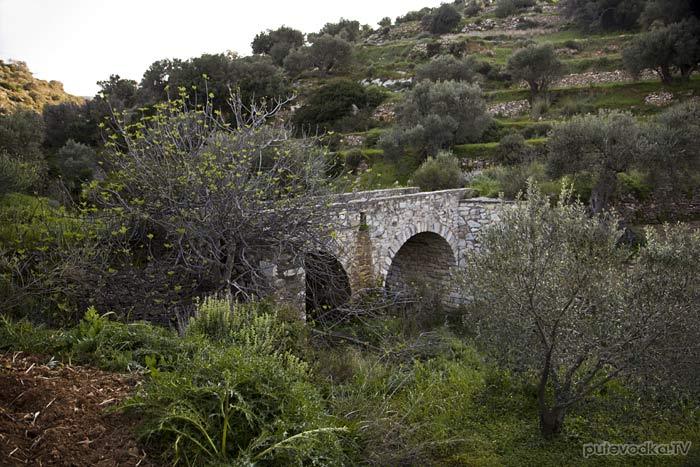 Остров Парос. Византийская тропа. Мост через овраг.