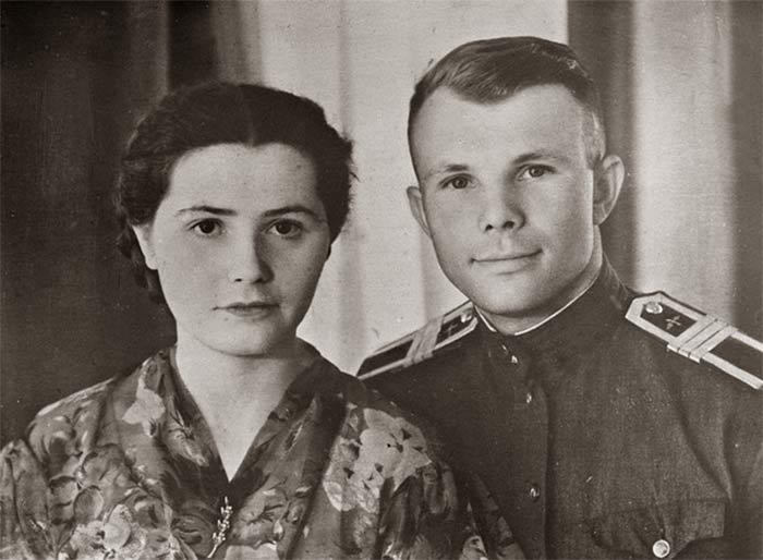 Молодые Юра и Валя