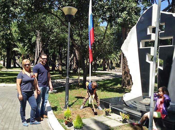 Памятник русским-филэллинам в г.Месолонги, Греция