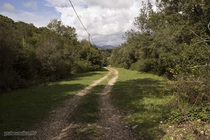 Пелопоннес. Выход из ущелья Фарангаки Перистерия.