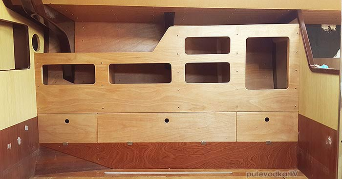 Яхта ПЕПЕЛАЦ. Ремонт на конец 2017 г. Кают-компания. Правый борт.