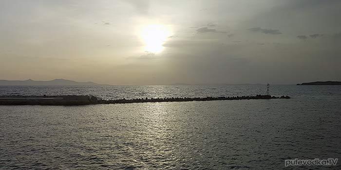 Остров Сирос. Эрмуполис. Выход из гавани. Северный створ.