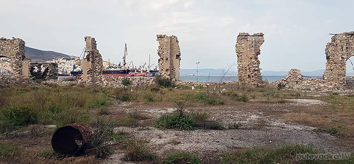 Остров Сирос. Эрмуполис. Руины кожевенного завода.